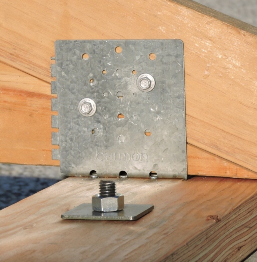 Single sill plate connection to truss rafter burmon